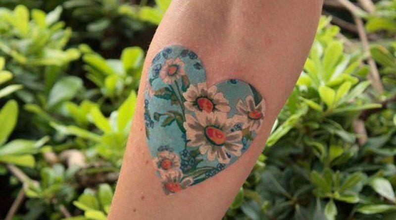 70 tatuagens de coração em variados estilos para você se inspirar