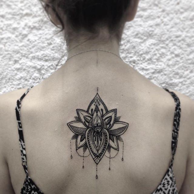 tatuagem de Flor de Lótus grande