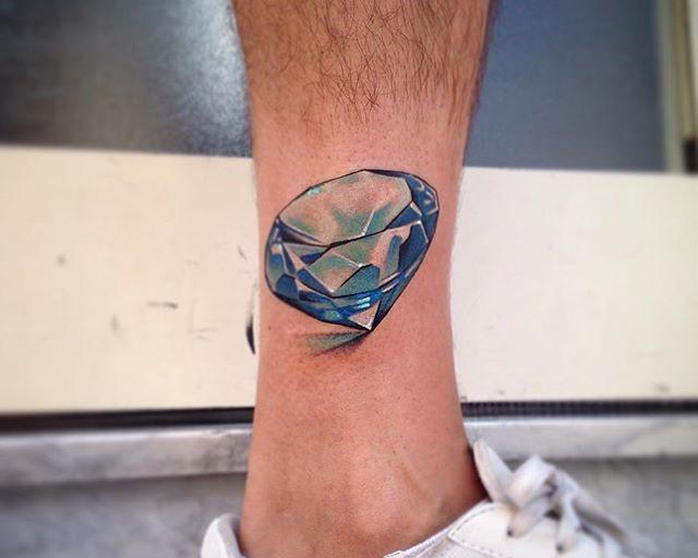 65 Tatuagens de Diamantes Belíssimas e Inspiradoras