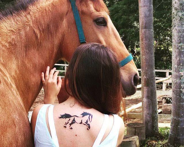 65 Tatuagens de cavalo criativas
