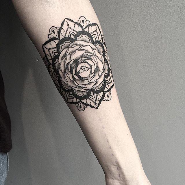 A rosa e a mandala