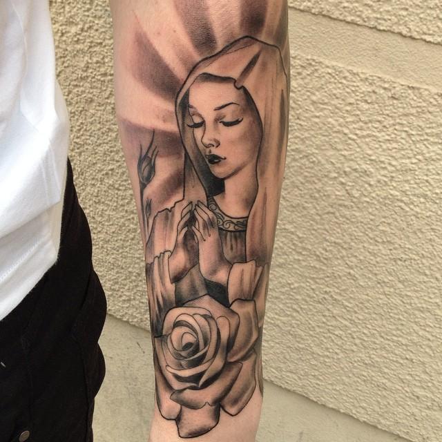 65 tatuagens da virgem maria lindas e inspiradoras for Tattoo santa rosa