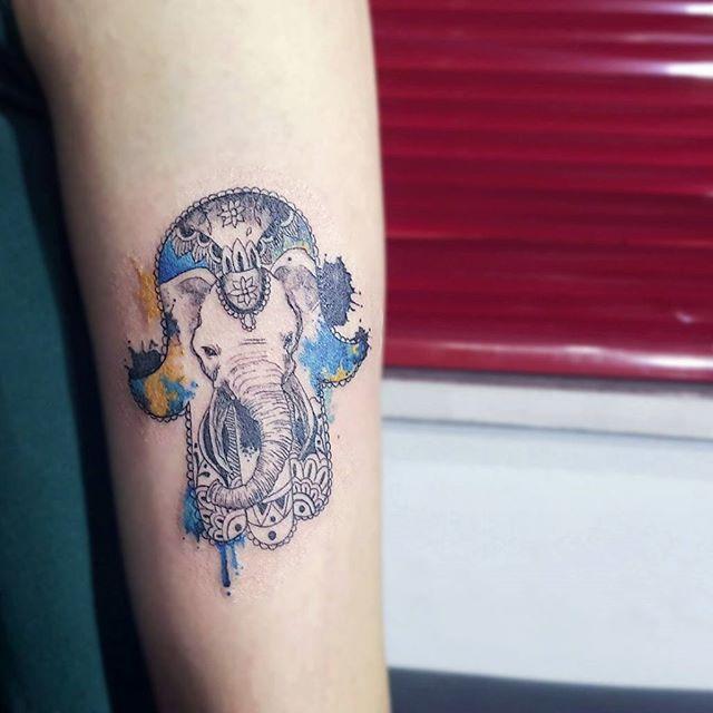 Mão de Fátima Feminina elefante