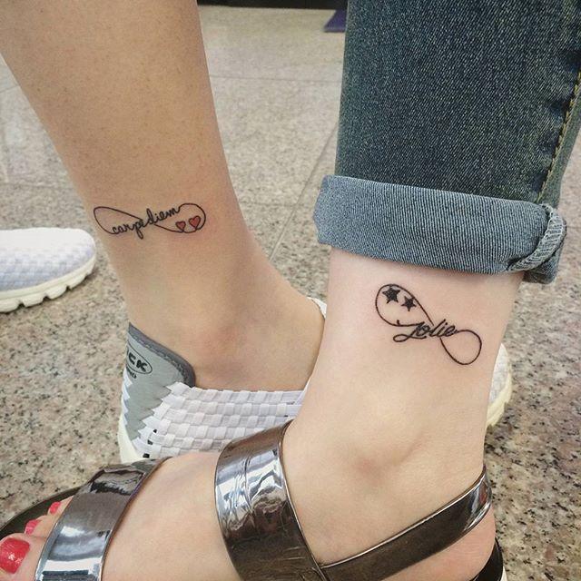 Vários símbolos significativos em uma só tatuagem