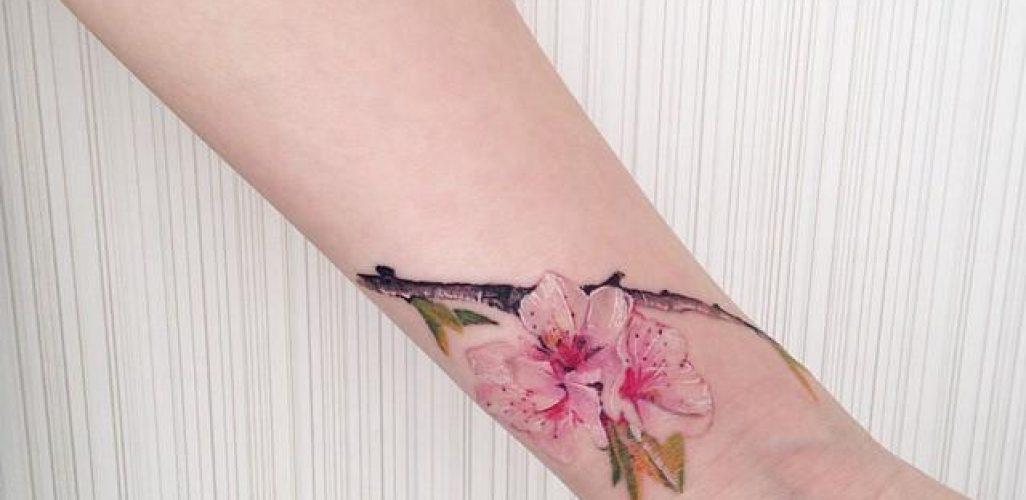 b39ea1e9399dc 60 Tatuagens de Flor de Cerejeira - Fotos Lindas