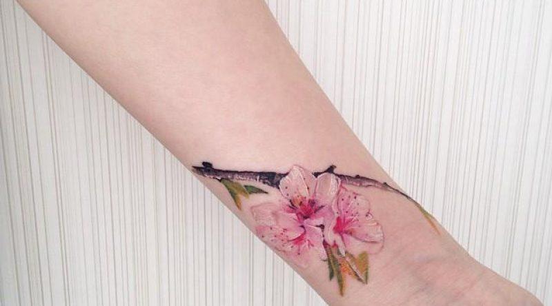 60 tatuagens de flor de cerejeira que simbolizam o sakura do Japão