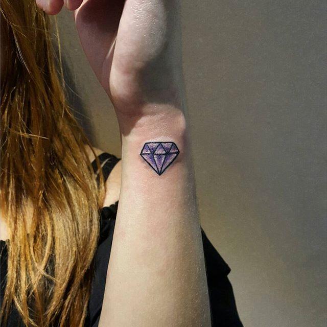 Os diamantes são os melhores amigos das mulheres
