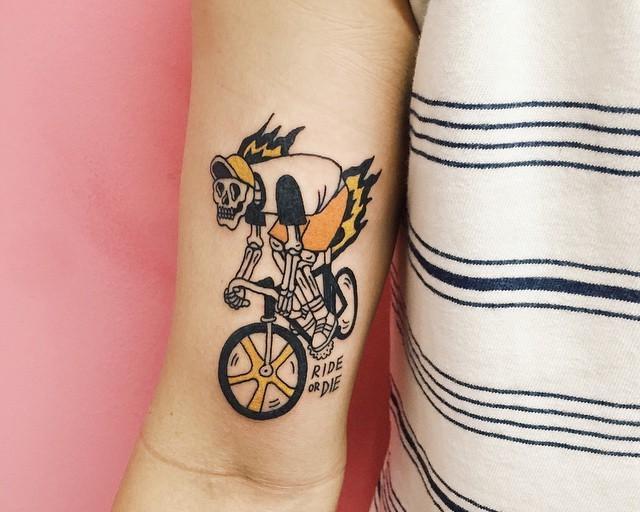 Tatuagens masculinas no braço: 120 desenhos criativos para se inspirar