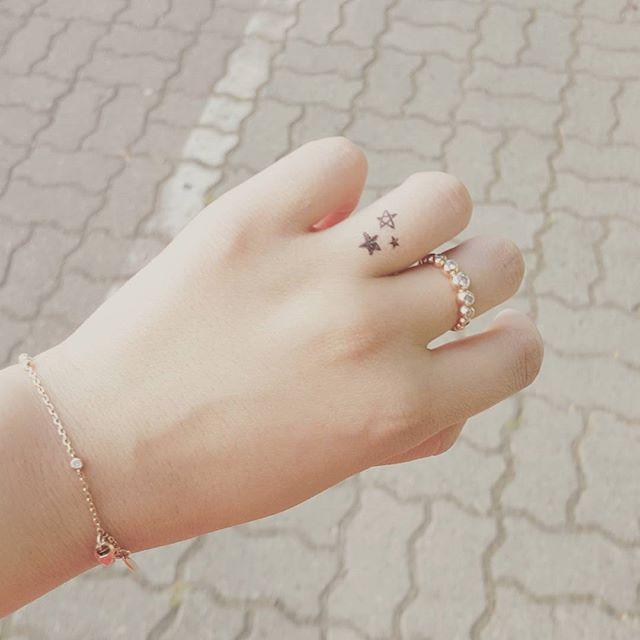 As estrelas dão todo o charme à sua mão