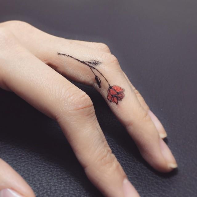 90 tatuagens no dedo modelos lindos e criativos. Black Bedroom Furniture Sets. Home Design Ideas