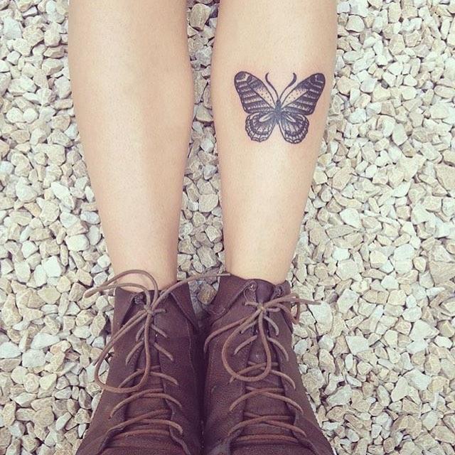 Tatuagens feminina na perna borboletas: A borboleta significa alma livre, como sua metamorfose