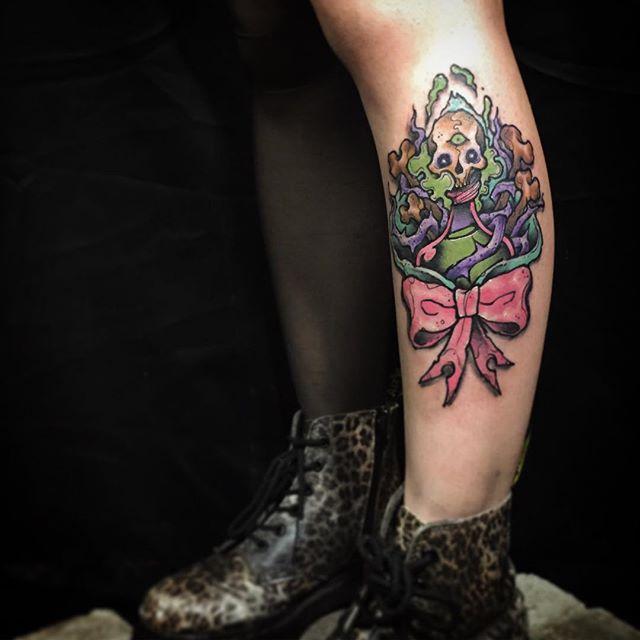 Para quem gosta de tatuagens com zumbis e monstros, essa é uma ótima inspiração