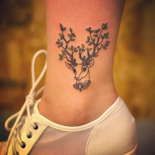 O Alce ou Cervo, significa a bondade, gentileza e o amor incondicional por pessoas, familiares ou amigos