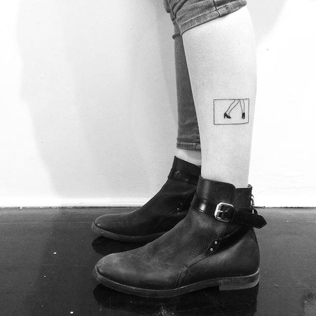 Tatuagem na batata da perna feminina: Declare seu amor pela dança!