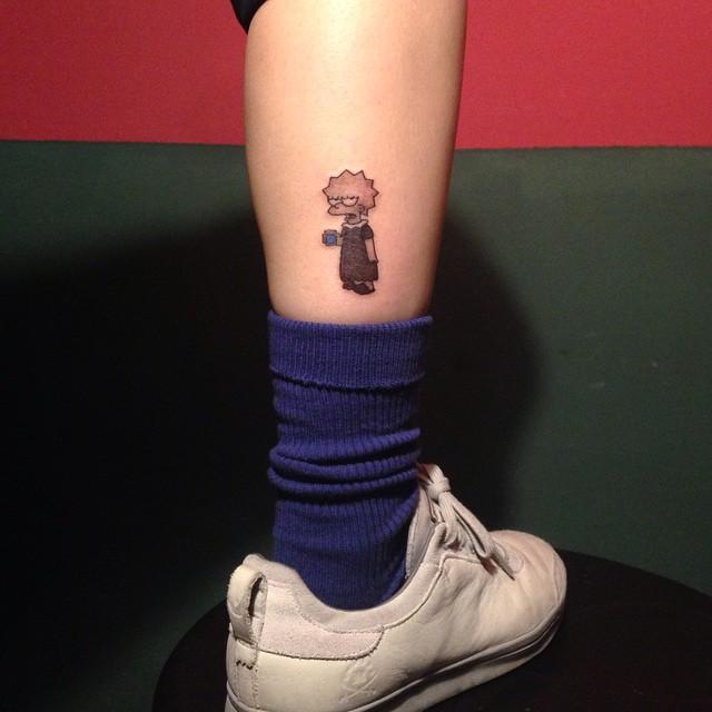 Para as apaixonadas pelo Os Simpsons: Tatuagem da Lisa Simpson