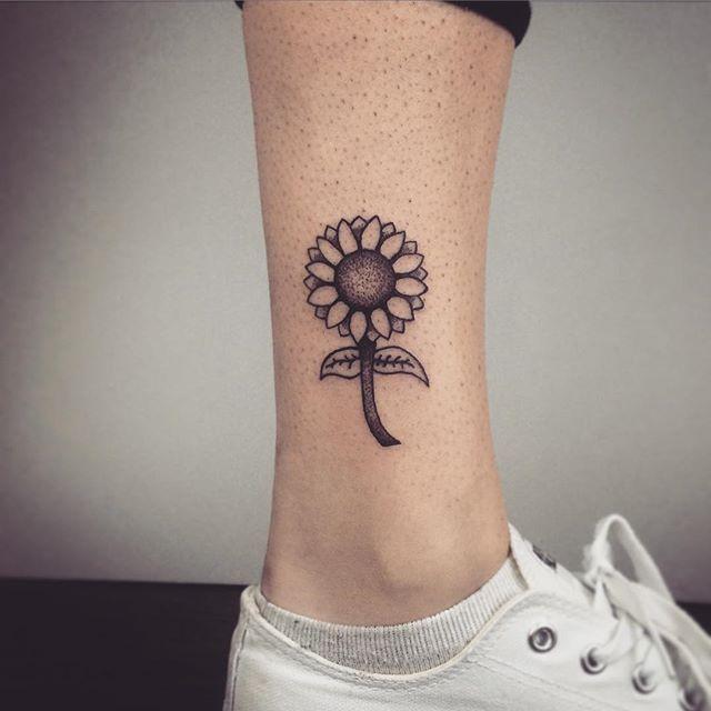 100 Tatuagens Femininas Na Perna Selecionadas Para Escolher