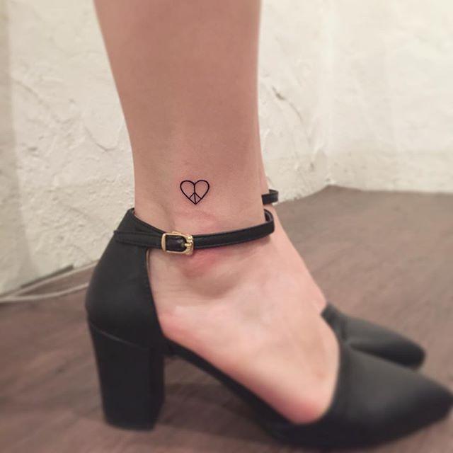 Tatuagem paz e amor!