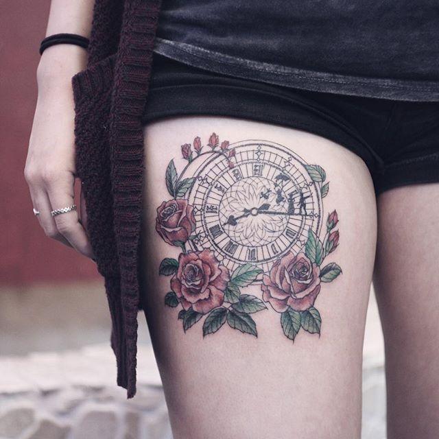 O relógio simboliza o tempo, a vida e a morte