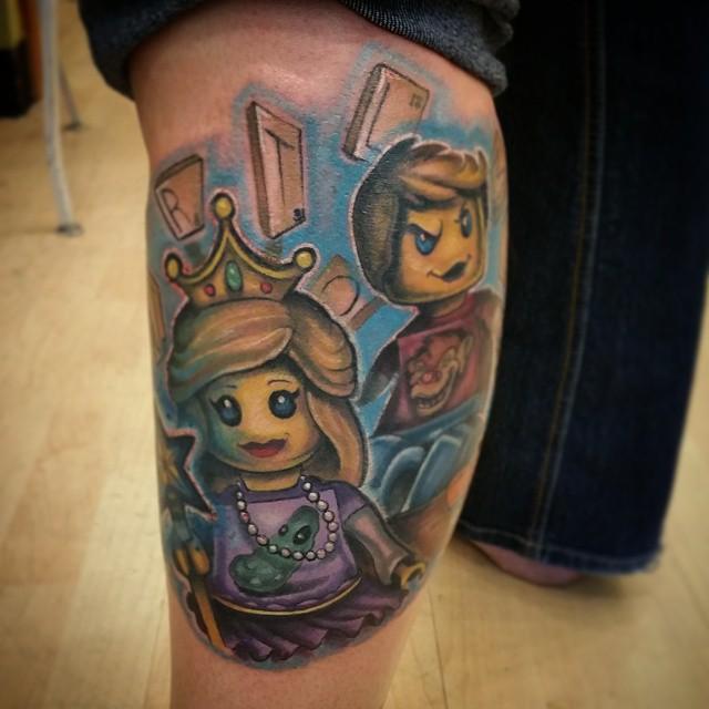 Desenho de tatuagem Lego, colorida e criativa.