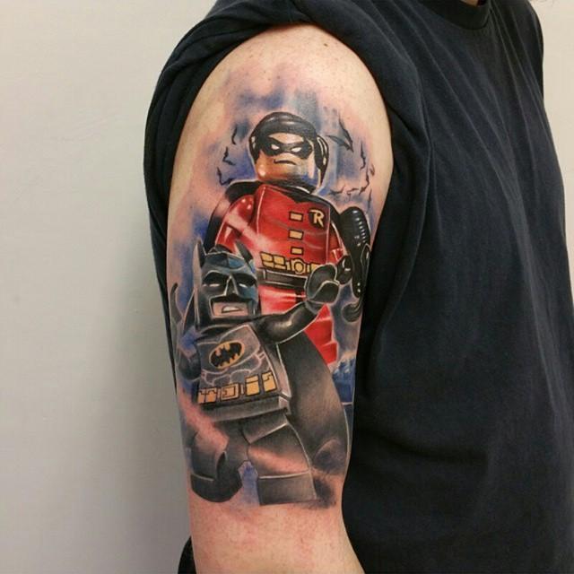 Batman e Robin também são desenhos de tatuagem Lego, inspirado no jogo Lego e no Filme da dupla.