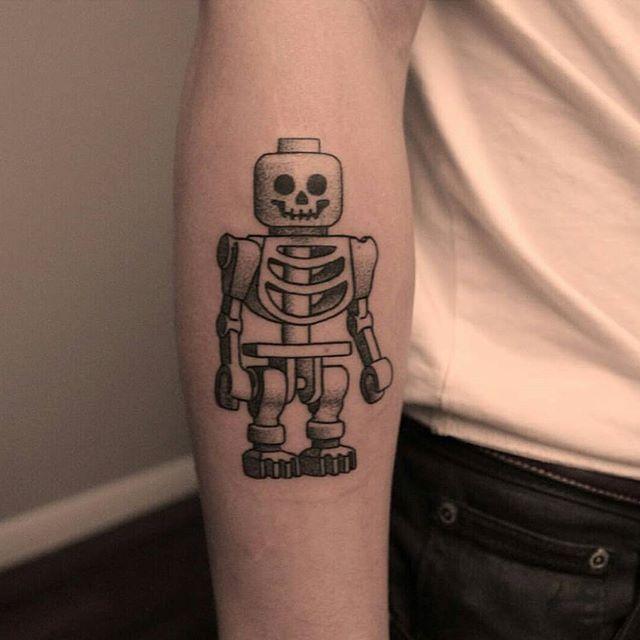 E Lego também é esqueleto nesse desenho.