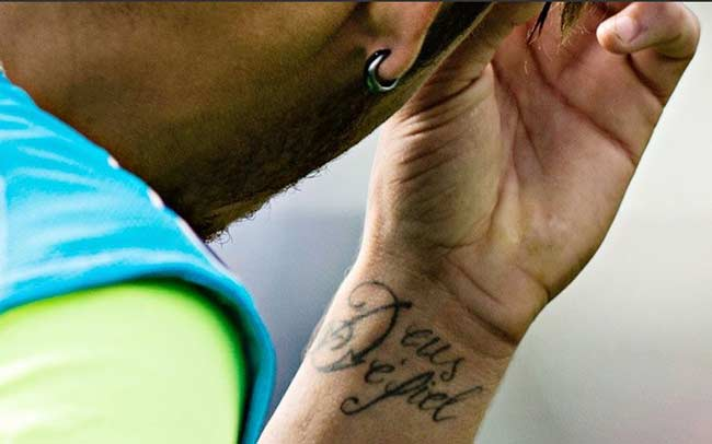 Tatuagens do Neymar no Pulso