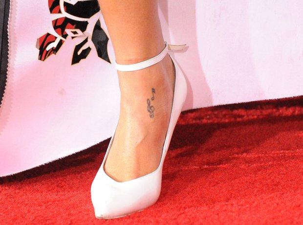 Tatuagem Rihanna Pe