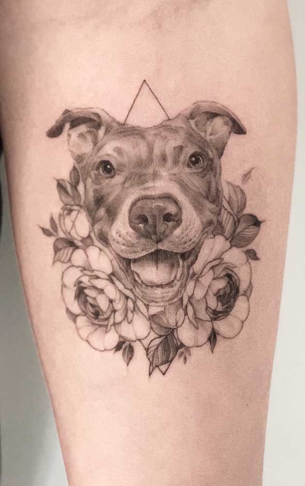 Registre em uma tatuagem 3D a carinha de felicidade do seu animal de estimação.