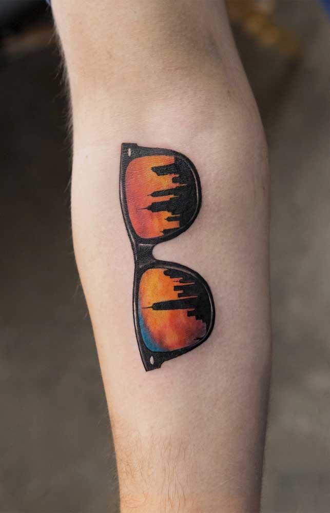 Que tal eternizar aquela imagem vista das lentes do seu óculos de sol? Nada melhor do que fazer uma bela tatuagem 3D.