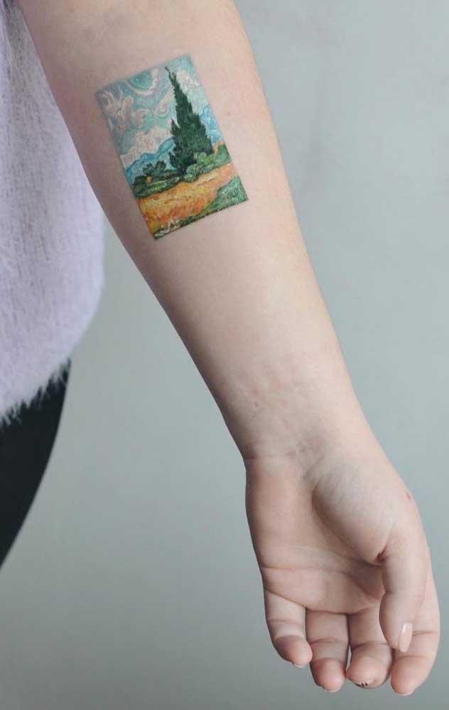 Essa tatuagem mais parece uma fotografia gravada no antebraço.