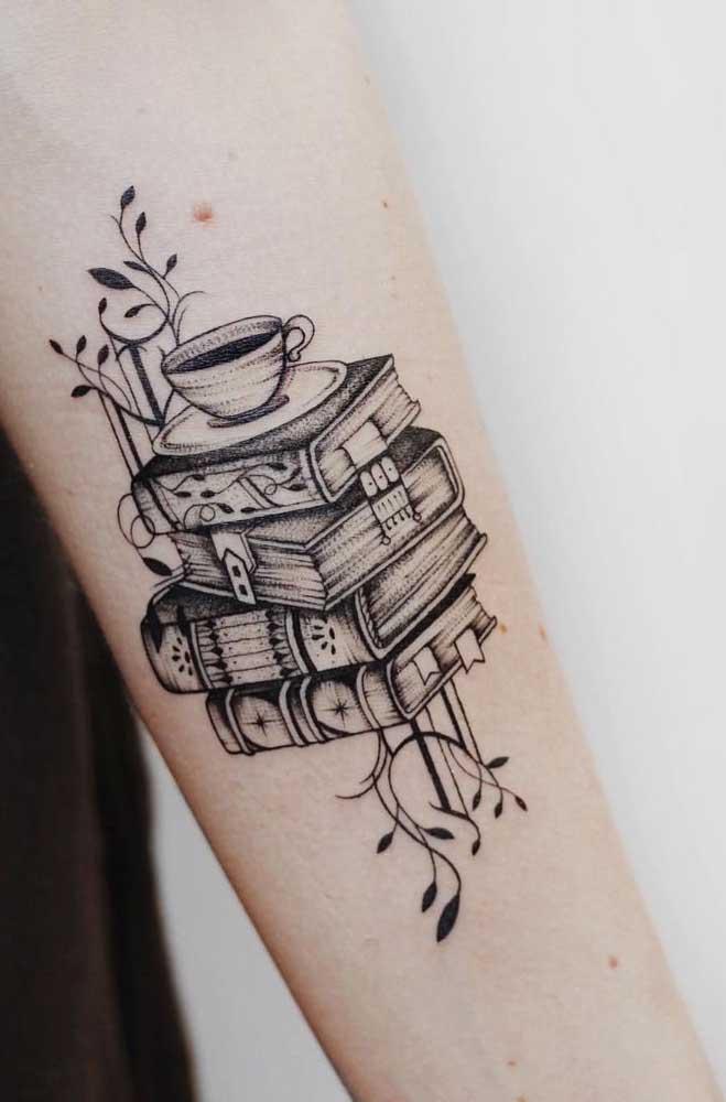 Quem disse que não dá para fazer uma tatuagem bem intelectual?