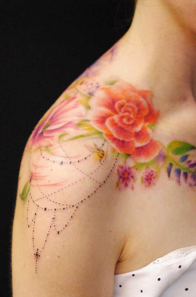Se é para sofrer fazendo tatuagem, que seja algo que chame atenção.