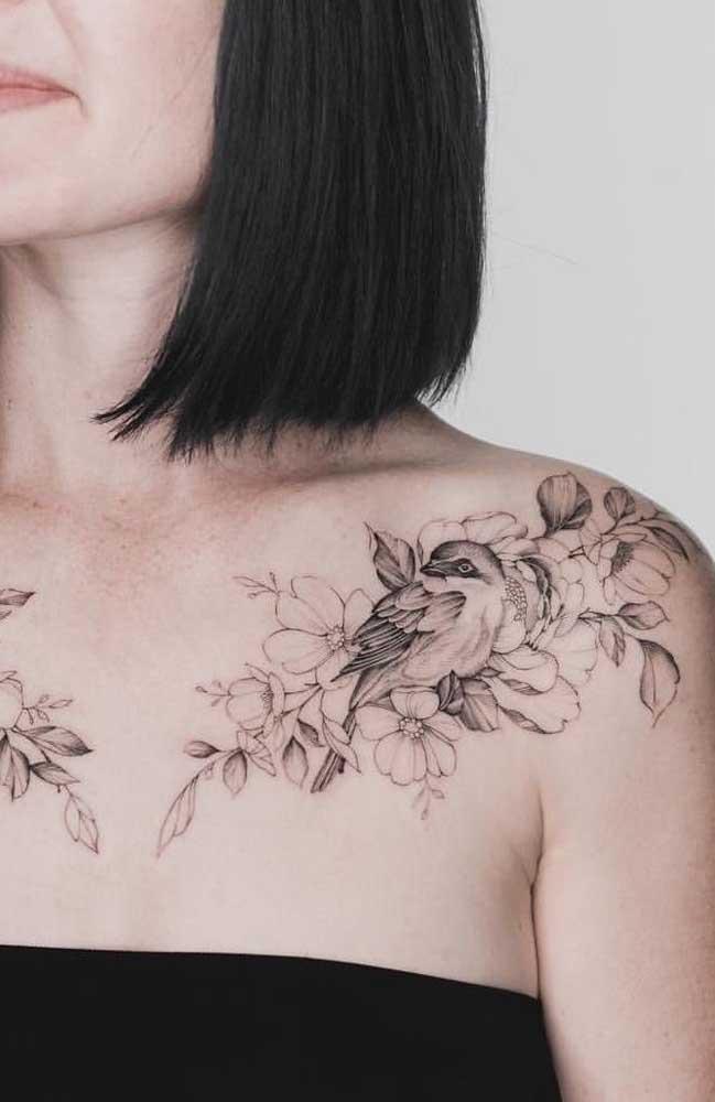 Que tal fazer uma mistura de símbolos com pássaro e flores?