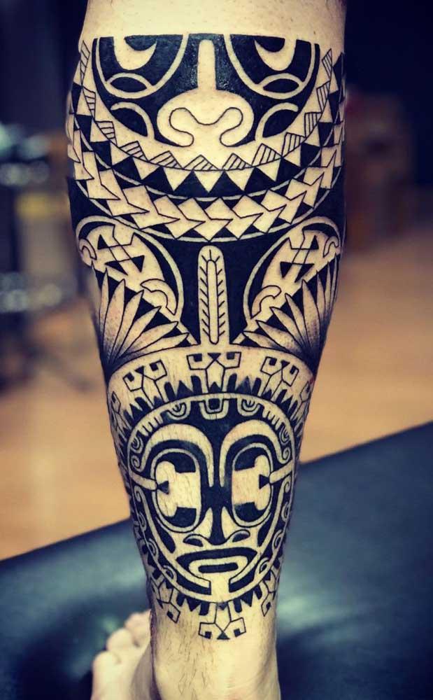 Você pode usar mais de um símbolo na hora de fazer a tatuagem maori.