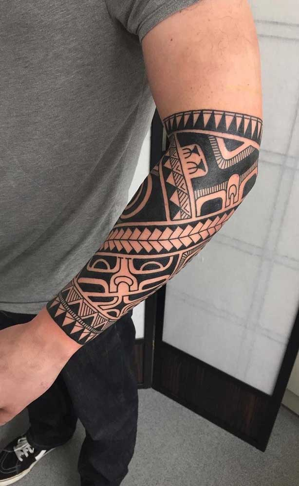 Nas tatuagens maori você percebe a força de um guerreiro.