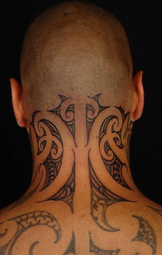 O que você acha dessa tatuagem no pescoço masculina? Você faria?