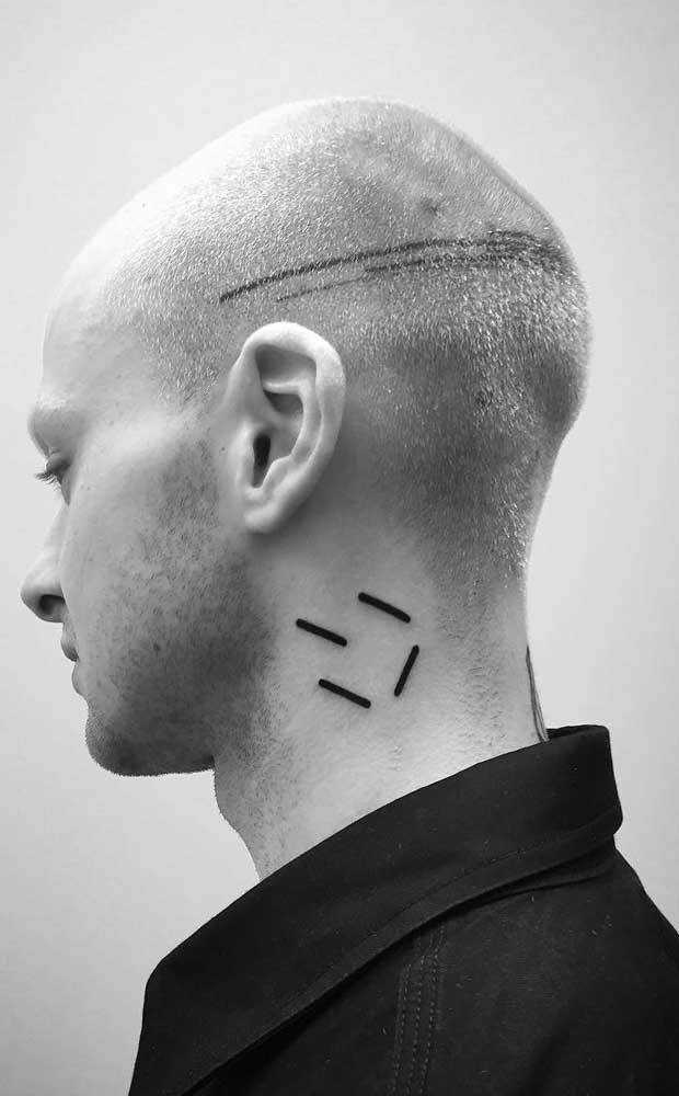 Aproveite e faça uma tatuagem no pescoço e outra na cabeça.