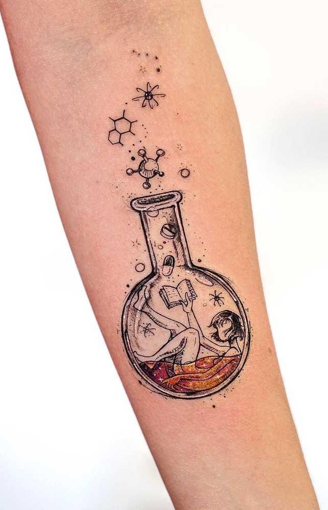 As tatuagens tumblr apesar de serem minimalistas, podem transmitir uma pitada de humor.