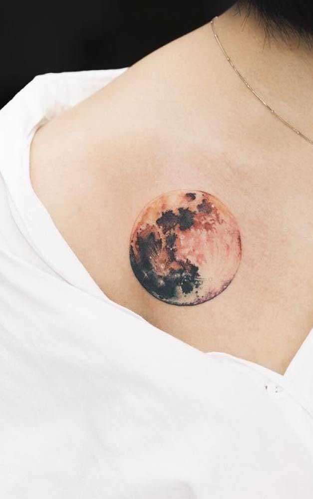 Faça a tatuagem realista em áreas que não distorcem o desenho.
