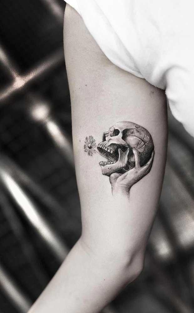 Você está no período de mudanças na sua vida? Aposte na tatuagem com desenho de caveira.