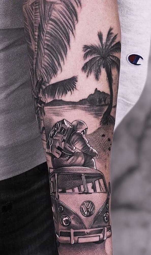 Aposte na tatuagem realismo preto e branco.