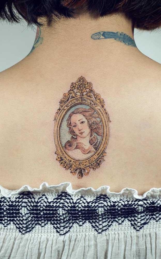 Faça uma tatuagem realista inspirada no quadro que você adora.