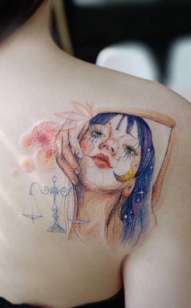 Você pode fazer uma tatuagem realista colorida.