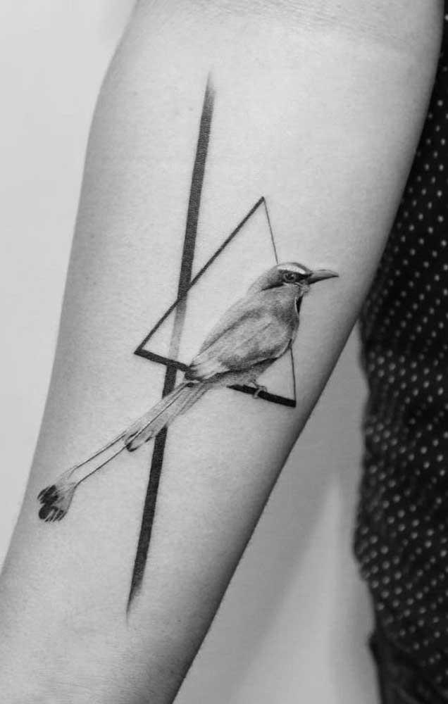 Você pode escolher o desenho que achar interessante para fazer a tatuagem realista.