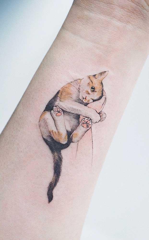 O que acha de fazer um tattoo com o desenho do seu gatinho?