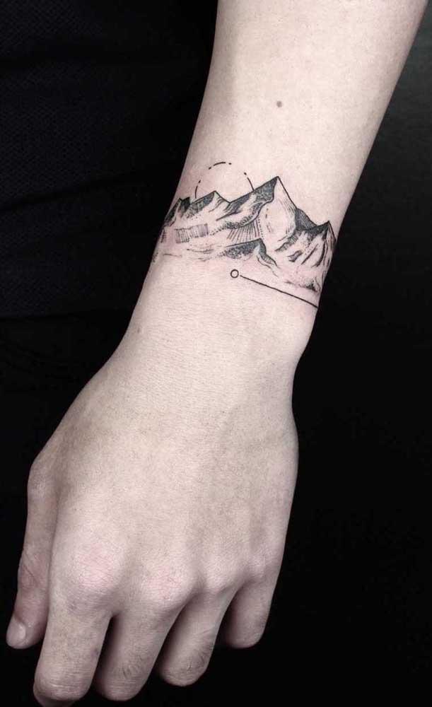 Quem disse que não dá para fazer uma tatuagem sombreada mais discreta?