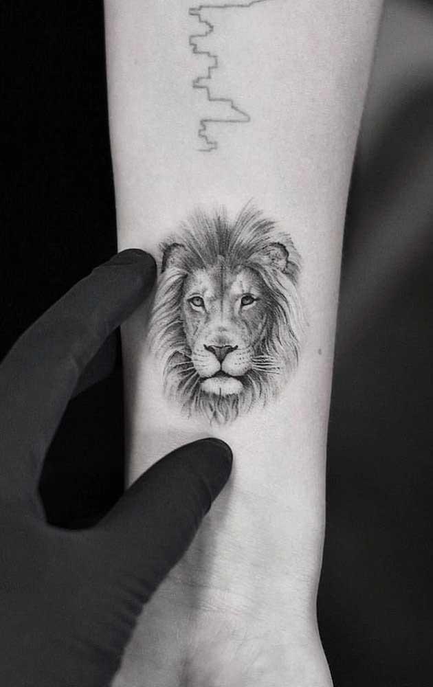 O que acha de usar a carinha do leão na sua tattoo?