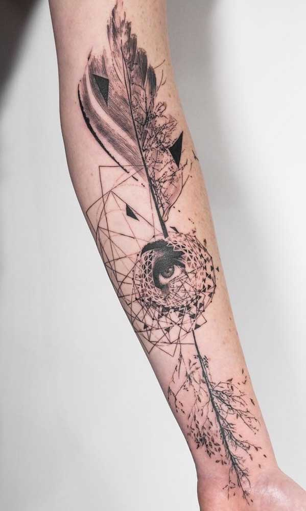 Use a criatividade para fazer o desenho da sua tatuagem sombreada.