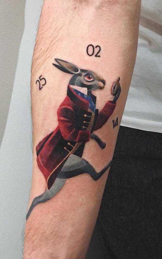 O que acha de fazer uma tatuagem sombreada colorida?