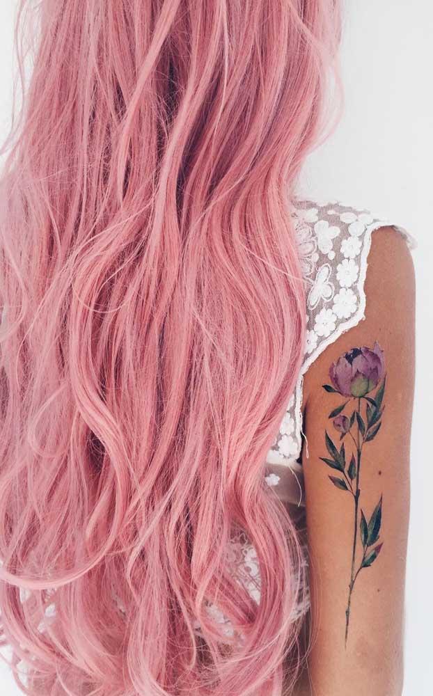 Que tal fazer uma tatuagem sombreada que combine com seu estilo?